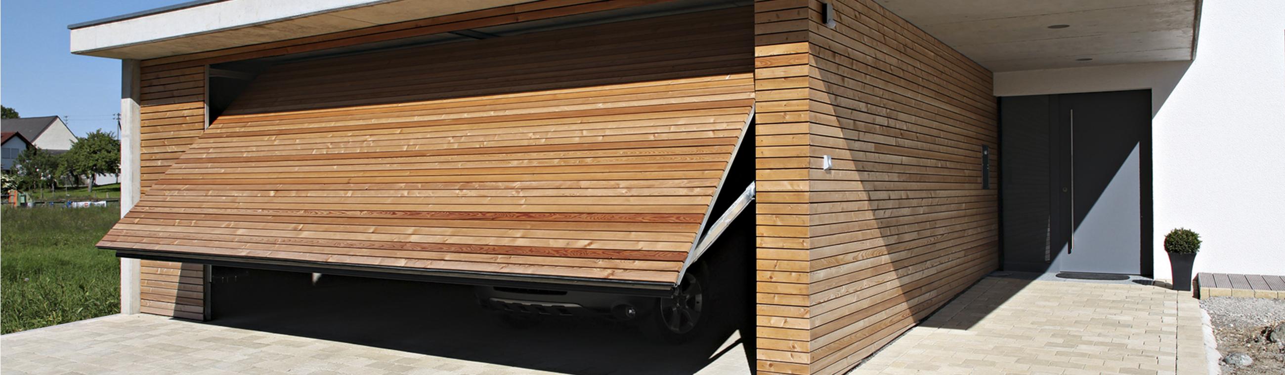 Garagentor holz zweiflügelig  Garagentore - individuelle Lösungen von RUKU